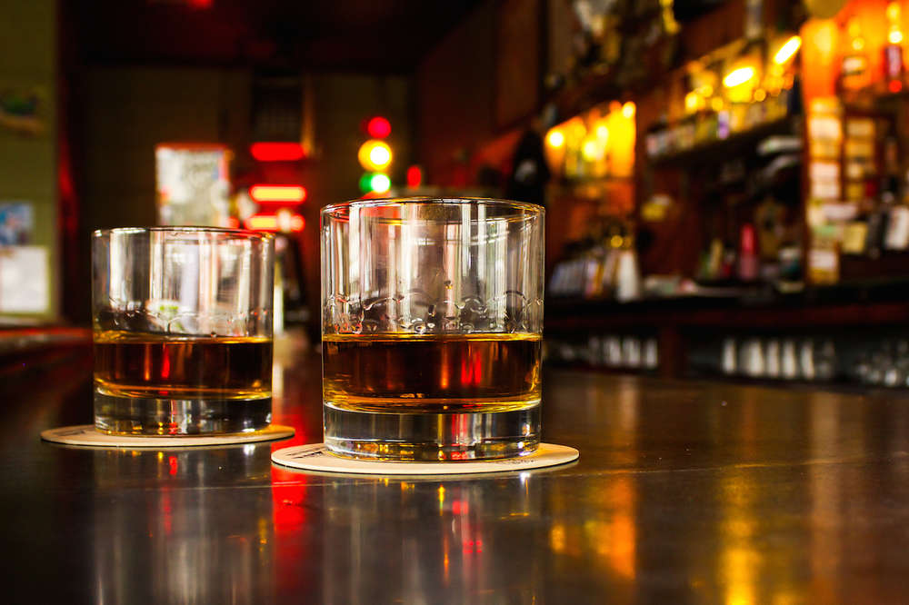 Signs that Would Indicate a Real Dive Bar Experience