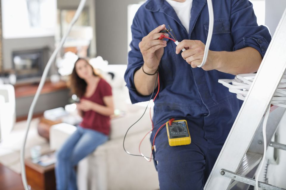 Essential Points to Consider when Hiring an Electrician