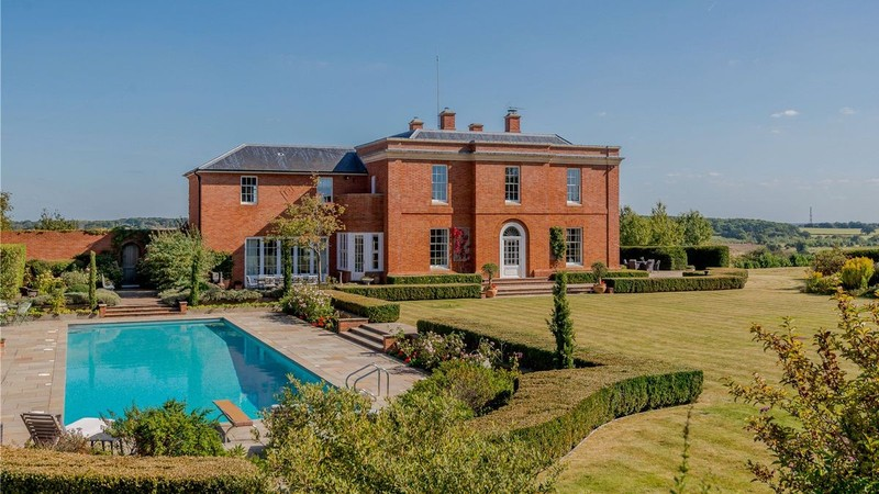 Five most expensive places to purchase property in Hertfordshire