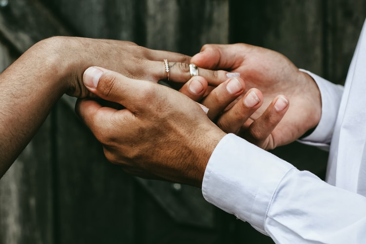 Tips when buying a wedding ring online